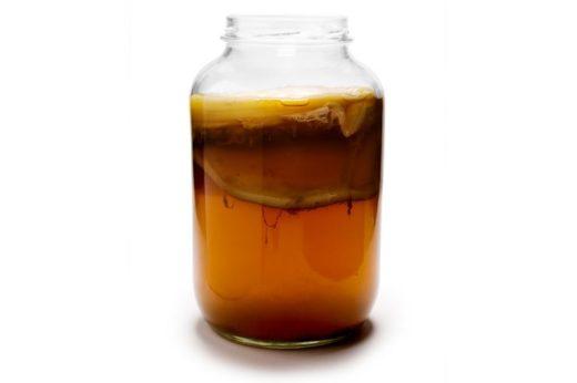 Задолго до сегодняшней волны чайный гриб был популярным прохладительным напитком в Советском Союзе, но с приходом разнообразных газировок о нём забыли.