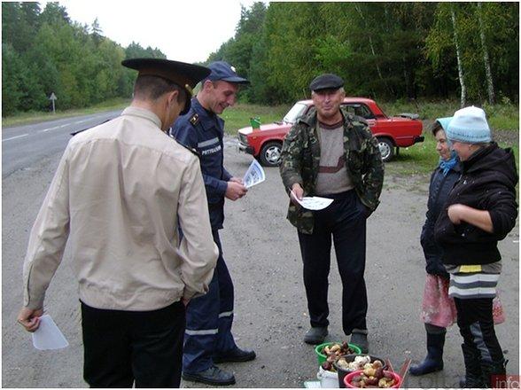 Во время очередного рейда, которые проводятся в Полтавской области работниками Управления Государственной службы по чрезвычайным ситуациям, оказалось, что большинство продавцов грибов не уверены, что их товар безопасно съедобный.