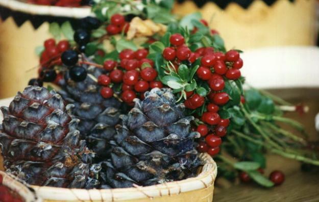 Дикоросы: грибы, орехи, ягоды, лекарственные травы