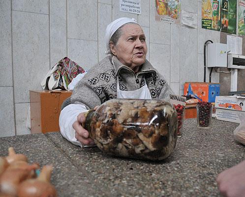 В Саратовской области волна грибных отравлений: А рынки завалены сомнительными грибами